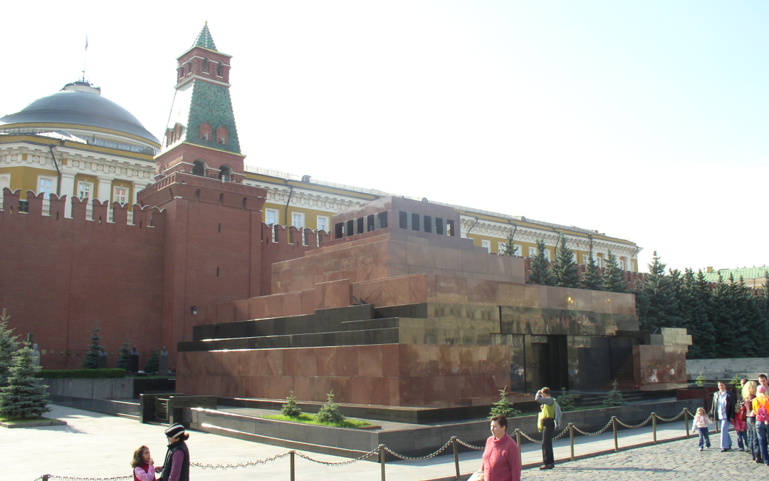 Russia Should Bury Lenin's Body and the Rest of Communism